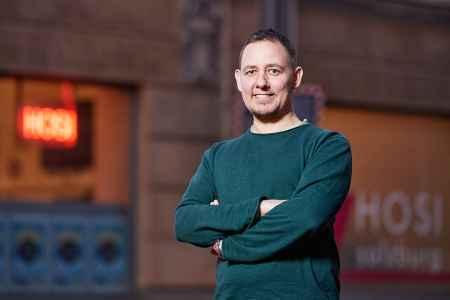 Geschäftsführer HOSI Salzburg Anton im Porträt