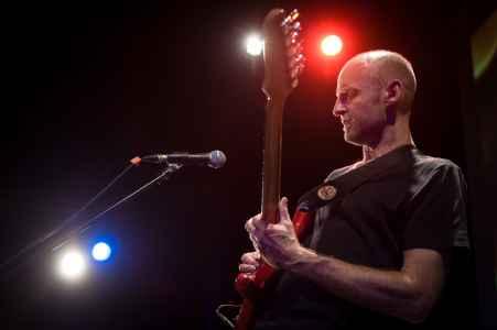 Ob als Musiker, Lehrer oder Workshopleiter David Hauser ist imer wieder auf der Bühne im Kulturhaus Emailwerk in Seekirchen zu erleben.