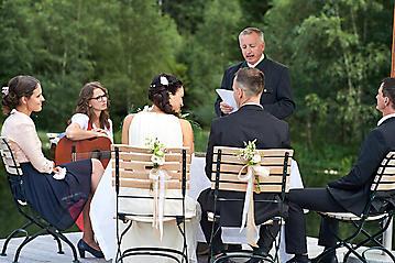 Hochzeit-Katrin-Matthias-Winterstellgut-Annaberg-Salzburg-_DSC2224-by-FOTO-FLAUSEN