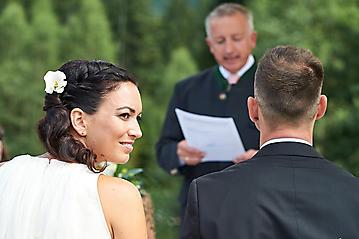 Hochzeit-Katrin-Matthias-Winterstellgut-Annaberg-Salzburg-_DSC2406-by-FOTO-FLAUSEN