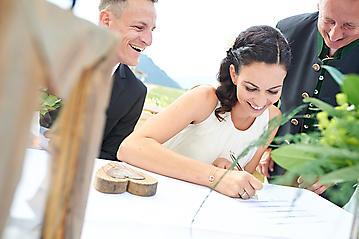 Hochzeit-Katrin-Matthias-Winterstellgut-Annaberg-Salzburg-_DSC2427-by-FOTO-FLAUSEN