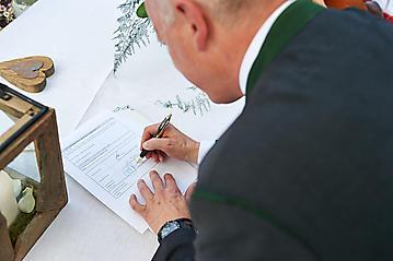 Hochzeit-Katrin-Matthias-Winterstellgut-Annaberg-Salzburg-_DSC2454-by-FOTO-FLAUSEN