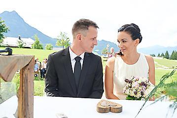 Hochzeit-Katrin-Matthias-Winterstellgut-Annaberg-Salzburg-_DSC2501-by-FOTO-FLAUSEN