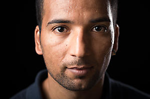 Yousef-Fluechtling-Portraet-0008-by-FOTO-FLAUSEN