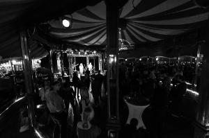 rosa-brown-winterfest-salzburg-9771-foto-flausen-sw