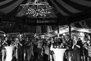 rosa-brown-winterfest-salzburg-9783-foto-flausen-sw