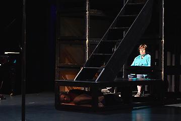 Theater-Ecce-Schlafstoerung-Arge-Salzburg-_DSC9505-by-FOTO-FLAUSEN