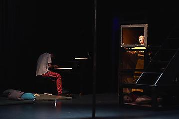 Theater-Ecce-Schlafstoerung-Arge-Salzburg-_DSC9507-by-FOTO-FLAUSEN