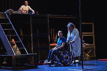 Theater-Ecce-Schlafstoerung-Arge-Salzburg-_DSC9650-by-FOTO-FLAUSEN
